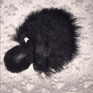 UGG Shoes - • Fluffly UGG slippers! •